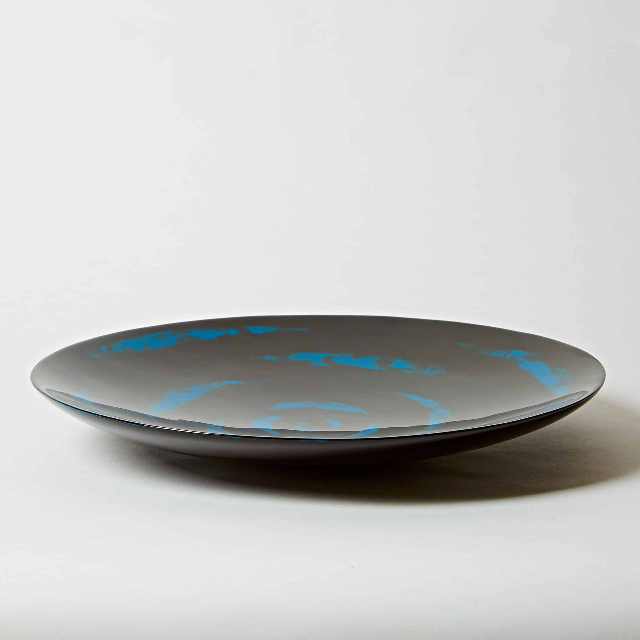 Blue lacquer plate